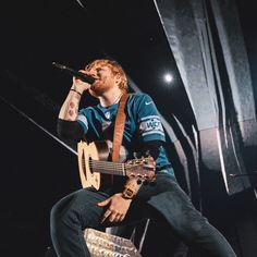 Listen to every Ed Sheeran track @ Iomoio Taylor Swift Hair, Taylor Swift Facts, Celebrity Travel, Celebrity News, Music Love, My Music, Ed Sheeran Love, I See Fire, Red Tour
