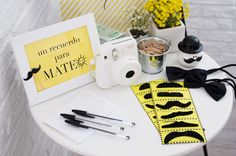 photo 29-baby_shower-mateo-fiesta-infantil-bebe-macarena_gea-amarillo-yellow-moustache-party_zpse8a39771.jpg