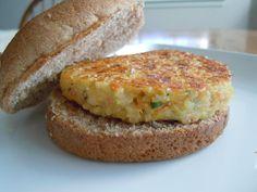 Cheesy Quinoa Burgers / Weight Watchers PointsPlus 3 » Nutmeg Notebook