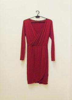 Kup mój przedmiot na #vintedpl http://www.vinted.pl/damska-odziez/krotkie-sukienki/18785359-wymiana-100-zl-sukienka-kopertowa-z-zakladka-drapowanie-dlugi-rekaw-malinowa-34-xs