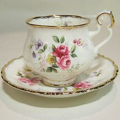 Royal Albert tea cup and saucer. Made in England of bone china. Tea Cup Set, My Cup Of Tea, Tea Cup Saucer, Tea Sets, Royal Albert, Vintage Cups, Shabby Vintage, Vintage China, Café Chocolate