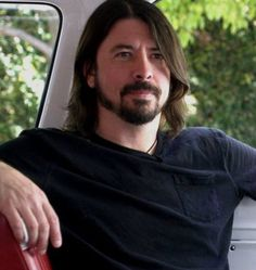 It should be illegal to look like this. #hotdave #davegrohl #davidfuckinggrohl #foofighters #fordfalconvan #soundcity #ohholygrohl