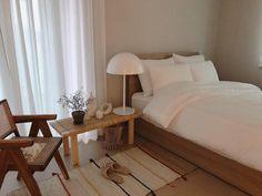 Dream Bedroom, Home Bedroom, Bedroom Decor, Bedrooms, Minimalist Bedroom, Minimalist Home, Room Interior, Interior Design, Aesthetic Rooms