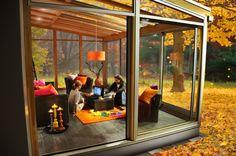 Nyt utefølelsen innendørs året rundt. Santex Design er en ny serie vinterhager fra Santex. Hagestuene byr på unike konstruksjonsløsninger, uventede detaljer og store glasspartier kombinert med varme tresorter - en uteoase inne å lengte hjem til. Inside Outside, Winter Garden, Outdoor Rooms, Dream Big, Shed, Cool Stuff, Places, Wall, Inspiration
