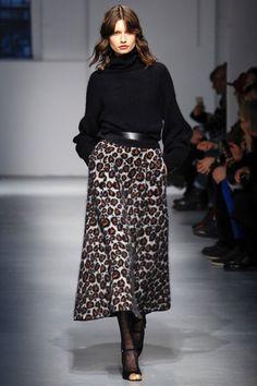 Guarda la sfilata di moda Les Copains a Milano e scopri la collezione di abiti e accessori per la stagione Collezioni Autunno Inverno 2017-18.