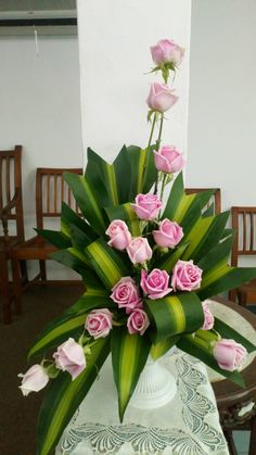 Pink rose - My site Tropical Flower Arrangements, Church Flower Arrangements, Funeral Arrangements, Rose Arrangements, Beautiful Flower Arrangements, Flower Centerpieces, Tropical Flowers, Flower Decorations, Beautiful Flowers