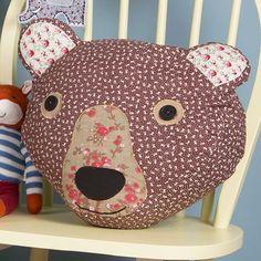 coussin PATCHWORK tête d ours LIBERTY déco chambre d enfant blog TENDANCE