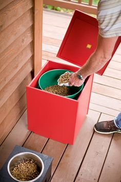 Mondo Single Garden Planter/Storage Container with Lid - A perfect dog food storage container. Made in the USA from recycled plastic. Outdoor Planter Boxes, Garden Planters, Food Dog, Dog Food Recipes, Lean Manufacturing, Bohemian Furniture, Dog Food Storage, Natural Cleaners, Homemade Dog Food