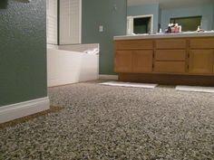 Amazing bathroom floor with pebble epoxy Diy Flooring, Flooring Options, Bathroom Flooring, Outdoor Bathrooms, Nautical Bathrooms, Epoxy, Pebble Floor, Concrete Floors, Amazing Bathrooms
