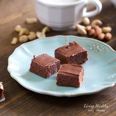 Raw, No-bake BROWNIES (without dates) (Vegan & Paleo) by #livinghealthywithchocolate #Vegan #paleo #brownies