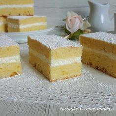 La torta paradiso soffice e buonissima è un dolce di una morbidezza unica e farcito con crema alla panna aromatizzata alla vaniglia.