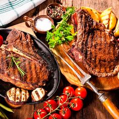 Add Nutrition To Your Diet With These Helpful Tips. Nutrition is full of many different types of foods, diets, supplements and Grilled Steak Recipes, Grilled Meat, Grilling Recipes, Lunch Recipes, Beef Recipes, Vegetarian Recipes, Prime Steak, Prime Rib, Comida Keto