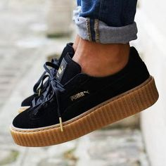 Tendance Chausseurs Femme 2017 – Black Rihanna for Puma Creeper Sneakers With a Platform Sole…. Tendance Chausseurs Femme 2017 Black Rihanna for Puma Creeper Sneakers With a Platform Sole. Dream Shoes, Crazy Shoes, Cute Shoes, Me Too Shoes, Basket Style, Creeper Sneakers, Creeper Shoes, Sneaker Outfits, Sneaker Heels
