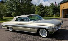 Hemmings Find of the Day - 1961 Oldsmobile Starfire convertible