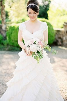 Vestido lindo + cabelo lindo = noiva linda