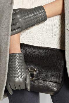 Bottega Veneta|Intrecciato leather gloves|NET-A-PORTER.COM