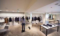Maje Mağazası / Bağdat Caddesi #parke #parquet #parquetflooring #wood #woodflooring #design #architecture #interiordesign #interiors #architect #design #lantanaparke #hungarian #oak #maje #showroom Lantana Parke