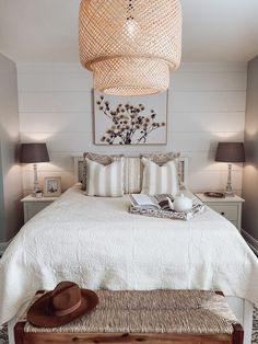 From houseplants, to beautiful tapestries, our bohemian bedroom decor ideas will inspire you to rethink your bedroom design. Farmhouse Style Decorating, Decorating Your Home, Diy Home Decor, Interior Decorating, Interior Styling, Interior Design, Apartment Makeover, Beautiful Bedrooms, Home Decor Accessories