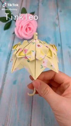 Instruções Origami, Paper Crafts Origami, Diy Paper, Paper Crafting, Origami Videos, Oragami, Simple Origami, Diy Crafts Hacks, Diy Crafts For Gifts