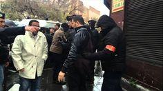 الشرطة الفرنسية تفتش المصلين قبيل صلاة الجمعة
