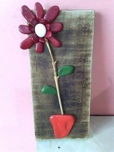 Pebble flower wall hanging