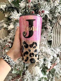 Starbucks Tumbler Cup, Mom Tumbler, Tumbler Cups, Diy Tumblers, Custom Tumblers, Glitter Tumblers, Glitter Cups, Tumbler Designs, Tiger Cubs