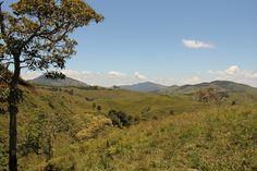 Guadalupe by Alejo, en Vespa, via Flickr Vespa, Traveling, Explore, Mountains, Nature, Colombia, Wasp, Viajes, Hornet
