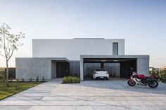 Layouts Casa, House Layouts, Modern House Facades, Modern House Design, Architecture Details, Modern Architecture, Chinese Architecture, Modern Entrance, Dream House Exterior