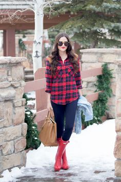 Top: ShopSosie ℅   Boots: Hunter   Jean Jacket: Paige   Leggings: J.Crew   Bag: Prada