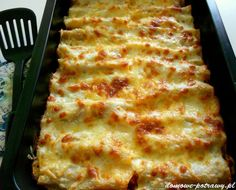 Cannelloni with minced meat - jedzenie - Makaron My Favorite Food, Favorite Recipes, Baked Cheese, Bolognese Sauce, Meat Sauce, Italian Dishes, Salad Recipes, Food And Drink, Cooking Recipes