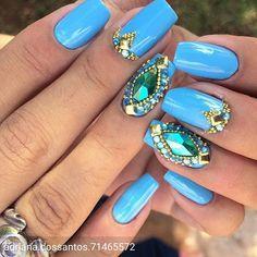@Regrann from @adriana.dossantos.71465572 -  E quando elas pedem pra mim escolhe❣️ Adivinha  Claro azul!  pq azul é mais lindo ❣️ Gente amando essa unha muito amor por ela  - #regrann