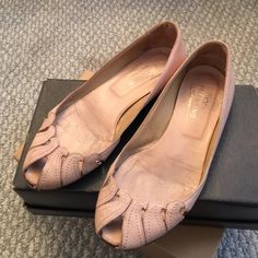 Valentino Garavani flats Stylish flats in used condition size 38; made in Italy lather champagne color: show signs of wear on sole, in sole, scuffle on heel as show in the pictures Valentino Shoes Flats & Loafers