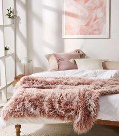pink and white bedroom minimal #homedecor