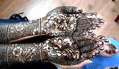 Fekete henna kézfestés - Black henna painting