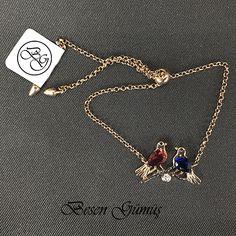 Dalda İki Kuş Figürlü Renkli Taşlı Rose Asansör Bileklik Fiyat : 109,00 TL  SİPARİŞ için www.besengumus.com www.besensilver.com  İLETİŞİM için Whatsapp 0 544 6418977 Mağaza 0 262 3310170  Maden : 925 Ayar Gümüş Taş : Zirkon Kaplama : Rose ve Siyah Rodaj  Besen Gümüş  #besen #gümüş #takı #aksesuar #dalda #iki #kuş #figürlü #renkli #taşlı #rose #asansör #bileklik #izmit #kocaeli #istanbul #besengumus #tasarım #moda #bayan