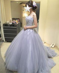 いいね!75件、コメント13件 ― hiromiさん(@hi.ro.wedding)のInstagramアカウント: 「ドレスの日々が続いてます( ˊᵕˋ )・*:.。 今日はアイリーナ試着! ピンクも着たんだけど、しっくりこず、やっぱり青系に落ち着きつつあります…。…」