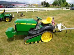 Small Tractors, Old Tractors, Lawn Tractors, Farm Fun, Farm Boys, Small Garden Tractor, John Deere Garden Tractors, Garden Tractor Attachments, Lawn Mower Maintenance