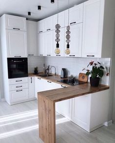 Inspire yourself with great ideas for the home in seconds. Exclusively curated from talented interior designers. The future of interior design. Kitchen Room Design, Modern Kitchen Design, Kitchen Layout, Home Decor Kitchen, Interior Design Kitchen, Kitchen Furniture, New Kitchen, Home Kitchens, Very Small Kitchen Design