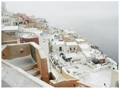 Winter ‪#‎Flashback‬ We bring to mind beautiful images of the snowy island of Santorini!
