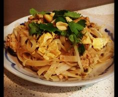 Recipe Authentic Pad Thai by louiseburr, learn to make this recipe easily in your kitchen machine and discover other Thermomix recipes in Main dishes - meat. Gf Recipes, Asian Recipes, Chicken Recipes, Dinner Recipes, Cooking Recipes, Ethnic Recipes, Bellini Recipe, How To Cook Eggs, Savoury Dishes