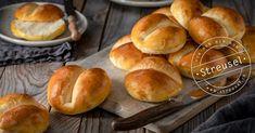 Rezept für original Schweizer Weggli, (zarte, luftige Milchbrötchen) die noch besser schmecken als vom Bäcker. Abgucken bei einer Bäckerin-Konditorin. Hamburger, Bread, Food, Pastry Chef, Swiss Guard, Bread Baking, Sprinkles, Food Food, Recipes