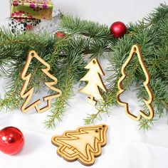 Set of 15 Laser Cut Wooden Tree Christmas Tree Decorations Wooden Christmas Tree Decorations, Snowflake Decorations, Holiday Decor, Laser Cutter Ideas, Laser Cutter Projects, Laser Cut Wood, Laser Cutting, Gravure Laser, Wooden Tree