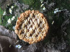 by Judy Kim Download recipe Salted Caramel Pear Pie Yield: 1 (9-inch) pie Happy Pi Day 2016. A Springtime Garden Wreath pie design to celebrate the occasion. I like to make my pies with a fancy crust, but it's absolutely not required to enjoy this delicious pie. I'm all about the pie it