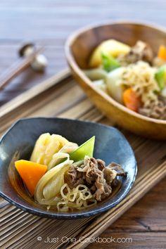 肉じゃが nikujaga (beef and potato stew)