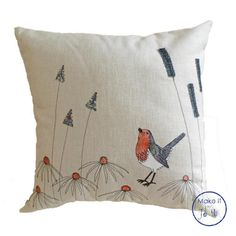 Make this delightful robin cushion cover! This is the first cushion in the brand new range of 'Make It by Jo Hill' wildlife fabric kits. Freehand Machine Embroidery, Free Motion Embroidery, Hand Embroidery Designs, Embroidery Patterns, Sewing Patterns, Christmas Cushions To Make, How To Make Pillows, Applique Cushions, Sewing Pillows