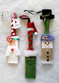These fun paintbrush Christmas ornaments will delight both the young and the young at heart. These fun paintbrush Christmas ornaments will delight both the young and the young at heart. Christmas Craft Projects, Christmas Ornament Crafts, Kids Christmas, Holiday Crafts, Handmade Christmas Crafts, Christmas Gifts, Handmade Ornaments, Homemade Christmas Tree Decorations, Pinterest Christmas Crafts