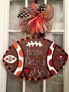 House Divided Hearts United Cleveland Browns & Tampa Bay Buccaneers  Football Door Hanger.