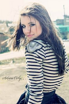 Facebook Profile Pics For Girls | Cool & Stylish Facebook profile pictures for girls: 3 | PiczBox