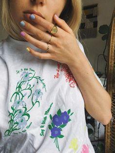 Sommer Maniküre Shellac Rainbow Nails Maniküre Do I Really Need a Contractor? Nagellack Design, Nagellack Trends, Spring Nail Trends, Spring Nails, Cute Nails, Pretty Nails, Hair And Nails, My Nails, Nails Inc