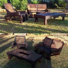 Garden chairs with coffee table from pallets